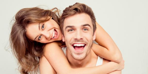 Kā iegūt baltus zobus