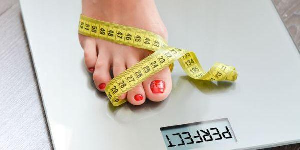 kā nomest svaru